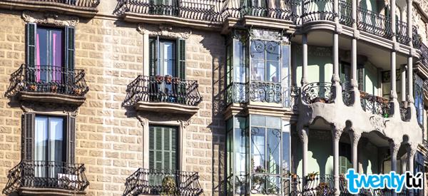 buildings Eixample Barcelona