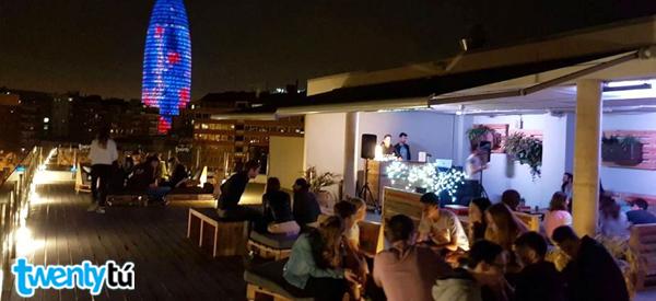 terrace Twentytu hostel barcelona
