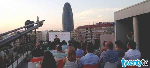 Una semana con los mejores estudiantes de catalunya for Oficinas de vueling en barcelona