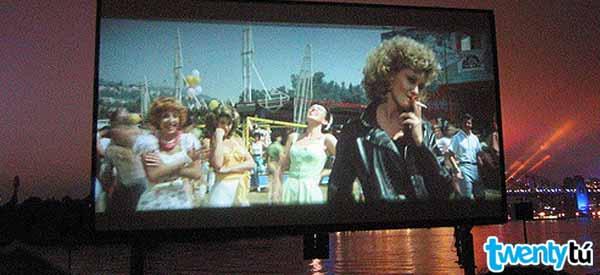 Beach cinema twentytu